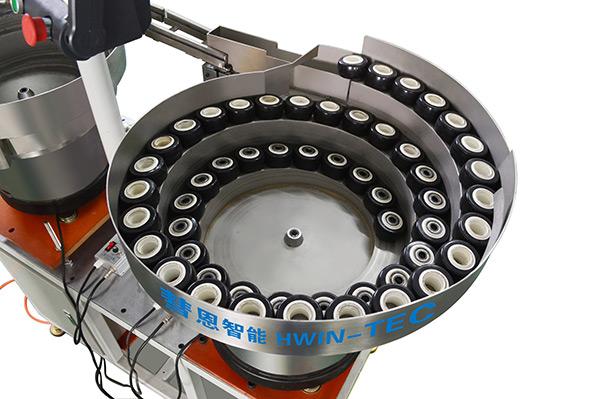 脚轮组装机
